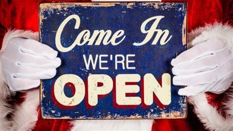 metro detroit stores restaurants open christmas day 2015