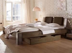 Bett Aus Metall : wildeichenbett mit stahlelementen mallero ~ Frokenaadalensverden.com Haus und Dekorationen