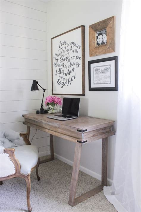 Bedroom Desk Ideas by Best 25 Rustic Desk Ideas On Rustic Computer
