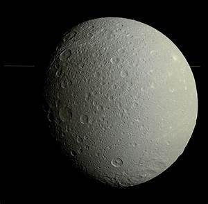 Nuove Immagini ad Altissima Risoluzione di Dione, Grande ...