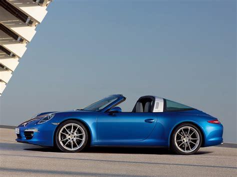 911 Targa Looses Top In Style
