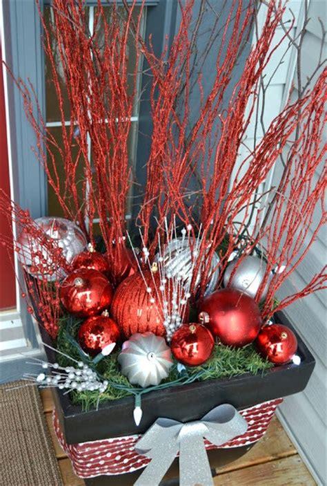 decoracion de arboles con cinta c 243 mo decorar el porche en navidad gu 237 a de jardiner 237 a