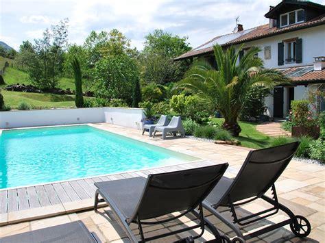 chambre d hotes avec spa maison d 39 hôtes aretxola avec piscine et spa chambre