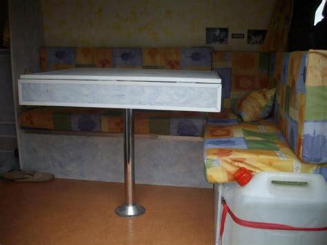 position du lit dans la chambre position du lit dans une chambre un endroit sur pour