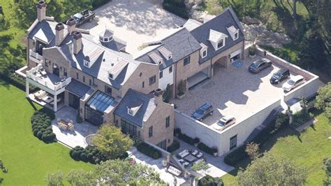 incredible mansions  nfl quarterbacks