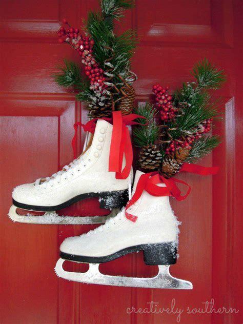 unique ways  decorate  front door  christmas