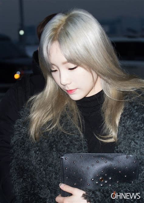 netizens are losing it taeyeon s new hairstyle koreaboo