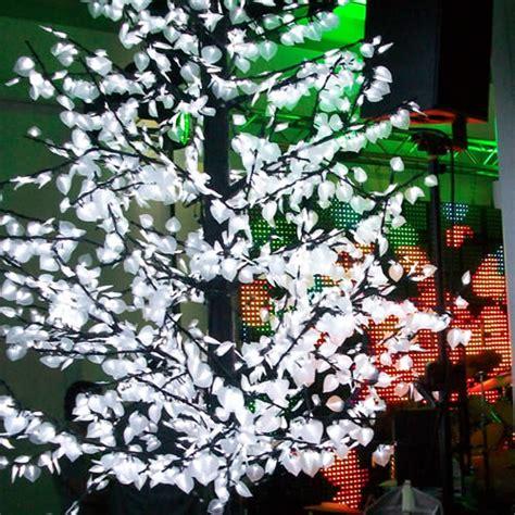 arbre lumineux led peuplier 1 90 m deco lumineuse