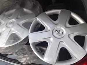 Toyota Aygo Prix Neuf : enjoliveurs neufs nouvelle toyota aygo 14 vends jantes pneus annonces auto et ~ Gottalentnigeria.com Avis de Voitures
