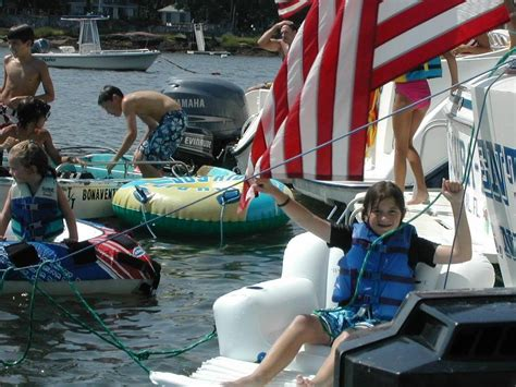 Motorboat Me Meaning by Motorboating Someone Www Pixshark Images Galleries
