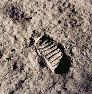 Is Neil Armstrong's first footprint on the moon preserved ...