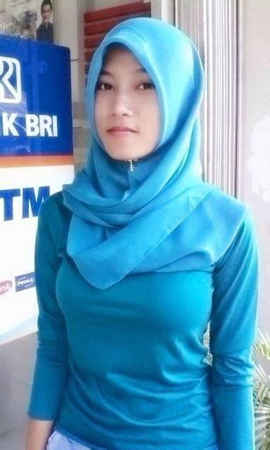 Hijab Seksi Pose Hijabers Montok Tubuh Sexy