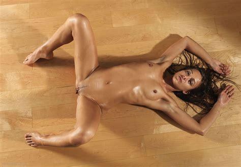 Dominika C Slippery At Hegrehunter Com