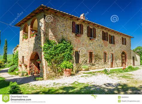 casa rurale casa rurale della toscana di estate fotografia stock