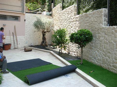 giardini con aiuole idee giardino aiuole