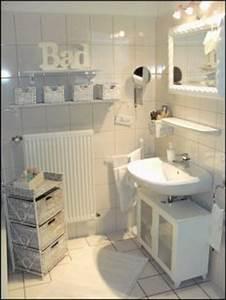 Badezimmer Dekorieren Ideen : bad deko ~ Markanthonyermac.com Haus und Dekorationen
