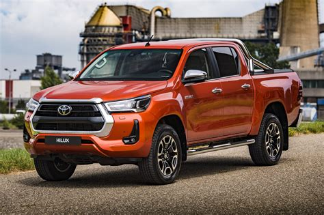 Check out the stunning new light designs and the range of robust wheel designs that further enhance its tough good looks. Toyota Hilux 2021 custará até R$ 270.000 na Argentina ...