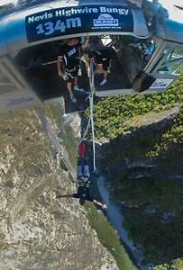 Bungy Jump in Queenstown, New Zealand - Video