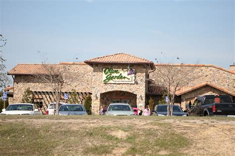 olive garden greensboro olive garden sued in two separate lawsuits for allegedly