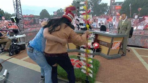 lee corso dressed    seminole bill murray attacked
