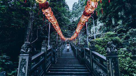 Download Wallpaper 2560x1440 Stairs Chinese Lanterns