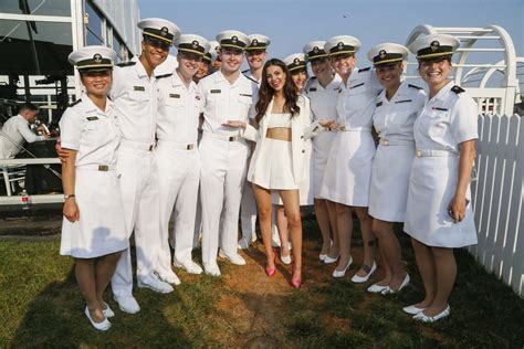 victoria justice   preakness stakes  baltimore