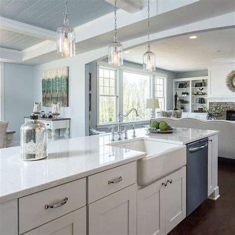 choose   white quartz  kitchen