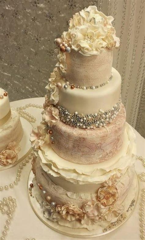 vintage wedding ruffle  pearl vintage wedding cakes