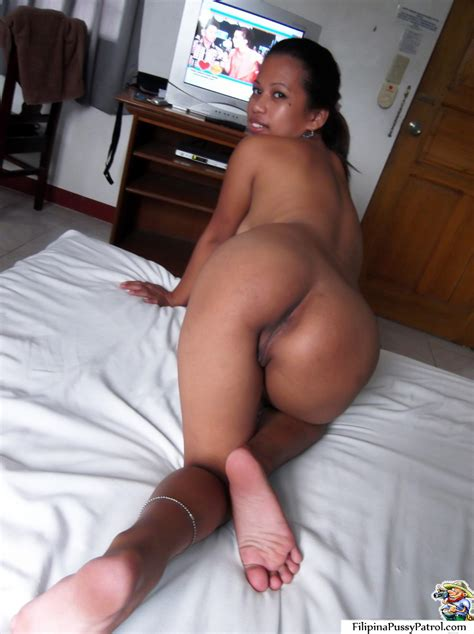 Tight And Shaved Filipina Pussy Patrolled Picked Up And