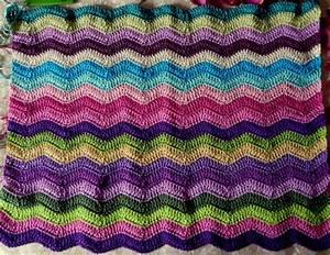 Babydecke Häkeln Wellenmuster : bunte h keldecke h keln und stricken h keln h keln muster und stricken ~ Frokenaadalensverden.com Haus und Dekorationen