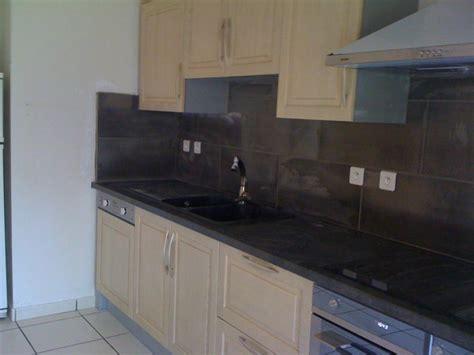 pose d une cuisine pose d 39 une cuisine aménagé avec faïence réalisé par services rénovation intérieur