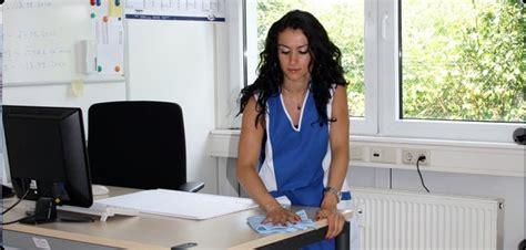 nettoyage de bureaux bien aménager espace de travail pour plus de