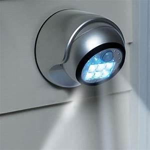 Bewegungsmelder Mit Licht : lampe mit bewegungsmelder pl tzliches licht ~ Michelbontemps.com Haus und Dekorationen