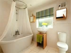 gardinen badezimmer gardinen für kleine fenster 23 neue vorschläge archzine net