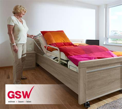 seniorenbett mit elektrischem lattenrost komfortabel hohes senioren doppelbett auf rollen runcorn
