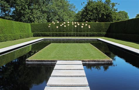 Moderner Garten Mit Wasser by Gardens History Philosophy And Design Tom