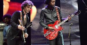 Doyle Bramhall II And Gary Clark Jr Crossroads Guitar