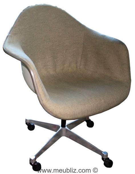 fauteuil bureau charles eames fauteuil de bureau pacc pivot armchair cast base on