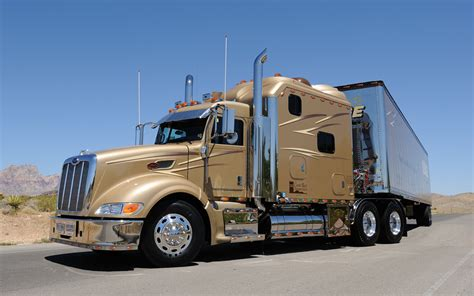 luxury semi trucks cabs the gallery for gt luxury semi trucks cabs