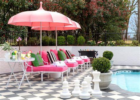 How To Create Luxe Backyard Retreat by Tobi S Tips For Outdoor Rooms En 2019 Outdoor Living