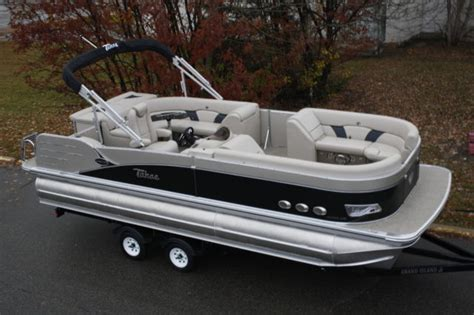 Pontoon Boats High Performance by 2385 Vista Cruise Tritoon Pontoon Boat With High