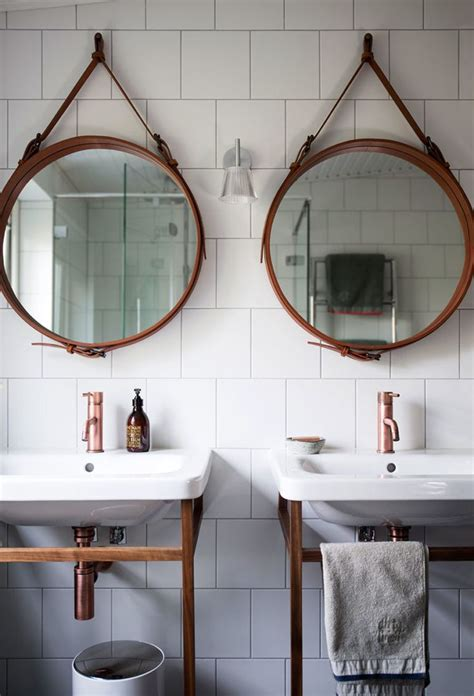 Hanging Bathroom Mirror by 25 Best Ideas About Bathroom Mirror On