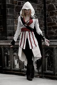 Ezio Costumes (for Men, Women, Kids) | Parties Costume