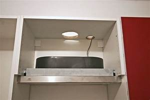 la hotte monter une cuisine en kit ikea linternaute With monter une hotte de cuisine