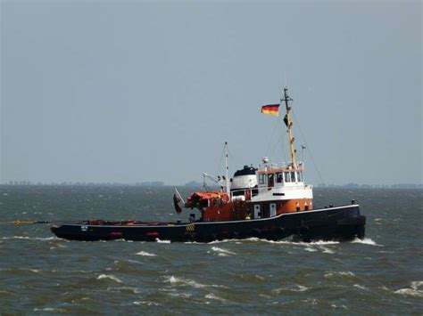 Tugboat For Sale Uk by Plant Rigs Dredgers For Sale Floating Plant