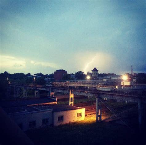 30 iespaidīgas zibens bildes no šīs nakts negaisa ...
