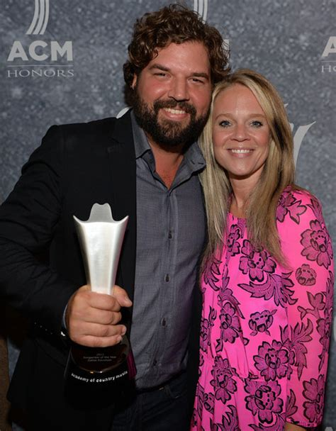 annual acm honors backstage  audience zimbio