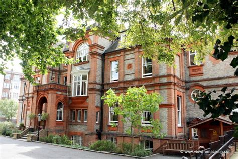 Palmers Lodge Swiss Cottage by My Harry Potter Hostel