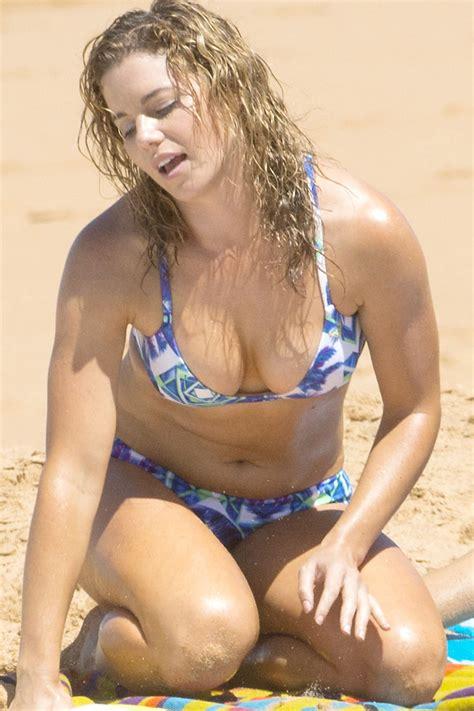 jessica grace smith  bikini   beach  australia