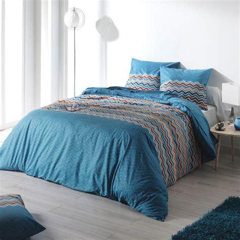 parure de lit bleu parure de lit essentiel bleu de c design en coton 57 fils